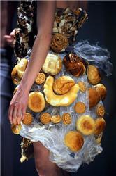 Ekologická móda zahrnuje biomateriály ivýstřelky módních návrhářů