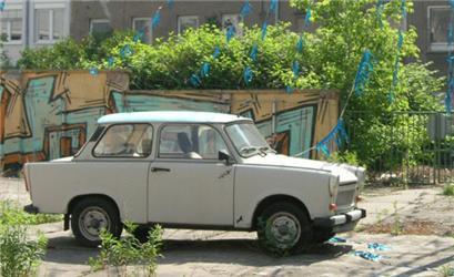 Takto vypadal původní Trabant, který se vNěmecku vyráběl od roku 1957 do roku 1991