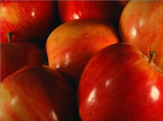 Vyhněte se tropickému ovoci avitaminy doplňujte raději zovoce rostoucího vnašich krajích, například jablky