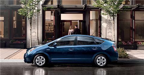 Stane se Toyota Prius prvním masově prodávaným hybridem?