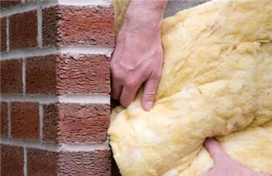 První investice usamostatně stojícího domu směřuje většinou do izolace vnějších stěn