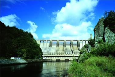 Vodní elektrárna Slapy byla první velkou stavbou vltavské kaskády po 2. světové válce. Zdroj: ČEZ