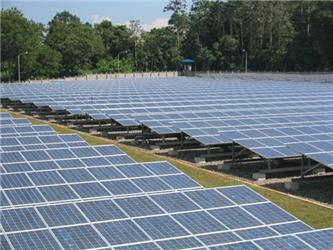 Zelené bonusy se nehodí pro všechny typy fotovoltaických elektráren. Společnost DEG například uvelkých projektů využívá výhradně státního výkupu