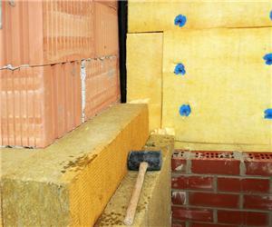 Obr. 3 – Sendvičová stěna sizolací zminerální vaty ascihelnou přizdívkou