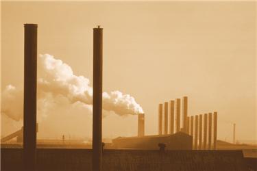 Emise CO2 sice nevytváří takové barvy jako na tomto obrázku (CO2 není