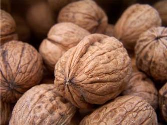 Ořechy jsou výborným zdrojem vitamínu B6