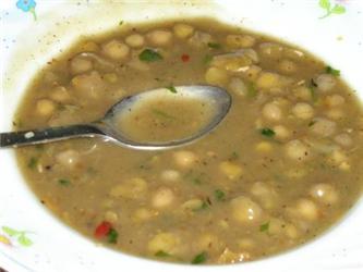 Nebojte se fazolové polévky, luštěniny obsahují rozpustnou vlákninu