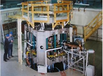 Reaktor COMPASS při demontáži vBritánii