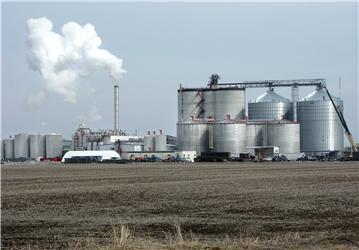 Továrna na výrobu ethanolu