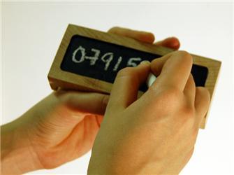 Pamatovat si telefonní čísla? Vdobě mobilů mnohdy neznáme ani svoje