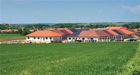 Projekt vesnička pro seniory dokazuje, že ive stáří je možné bydlet bez starostí ve vlastním domku