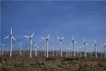 K uspokojení spotřeby jedné domácnostiby bylo třeba desítek malých větrných turbín